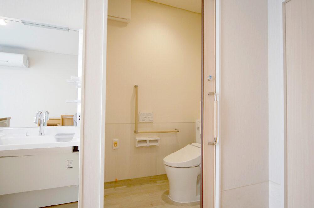 朝倉さわやかガーデン居室用トイレ
